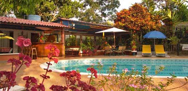 Quind o turismo finca hotel machangara for Hoteles segovia con piscina